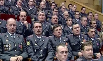 Полицейских отучат отвзяток повышением зарплаты