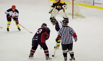 Вологодские хоккеисты сыграли впамять опогибшей команде «Локомотив»