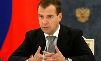Президент Дмитрий Медведев наводит порядок вгарнизонах