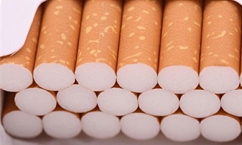 Продажу сигарет предлагают запретить лицам моложе 21года
