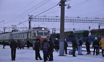 Пригородные поезда решили оставить