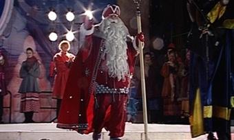 Дед Мороз зажег вЧереповце елку ипоздравил горожан снаступающим