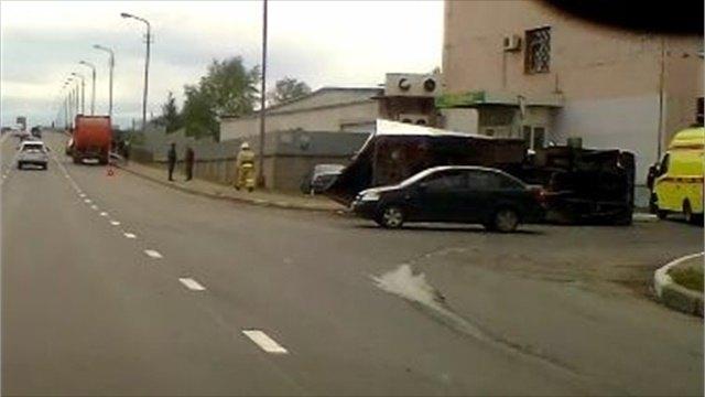 ДТП Череповца: столкнулись мусоровоз игрузовик