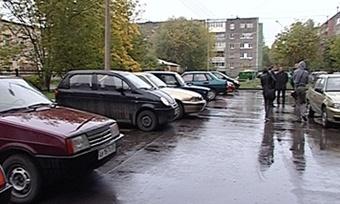 Череповчане немогут припарковать машины всобственном дворе