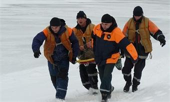 58-летнего вологжанина достали изкарьера спасатели