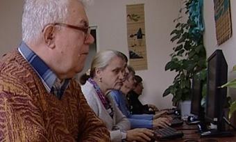Череповецкие пенсионеры покоряют компьютер
