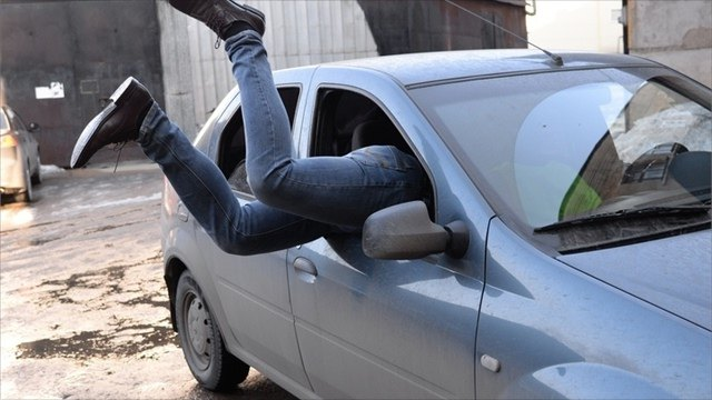 Череповчанин угнал автомобиль знакомого