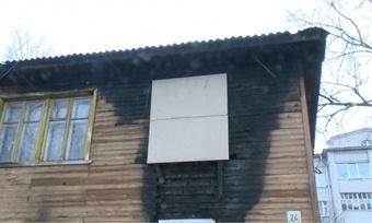 Сотрудники полиции помогли вологжанам эвакуироваться изгорящего дома