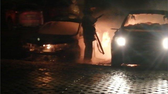 ДТП Череповца: 5машин сгорели из-за поджога ночью