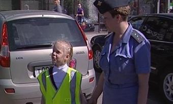 ВЧереповце дети призывают водителей косторожности надорогах