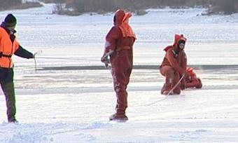 Первые зимние учения спасателей прошли сегодня нареке Шексне