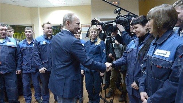 Владимир Путин уже третий раз посещает Череповец