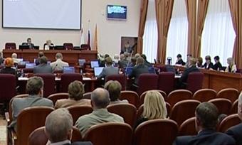 Череповчане жалуются депутатам наЖКХ иобразование