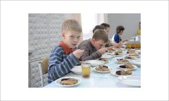 Школьный обед: кормить или экономить?