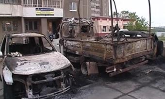 ВЧереповце врезультате поджога пострадали три автомобиля